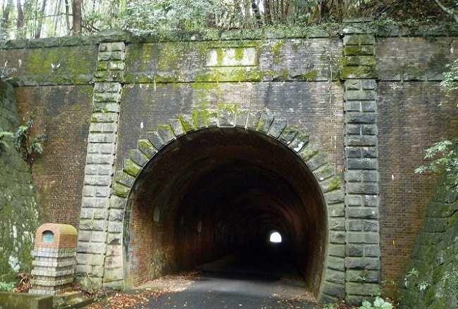 旧佐敷トンネル